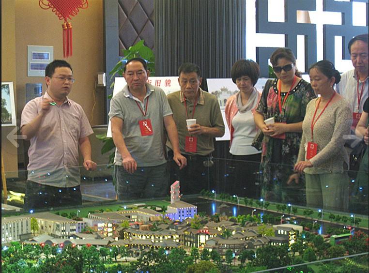 【市场动态】成都市人大代表视察北改重点润茂酒店用品城